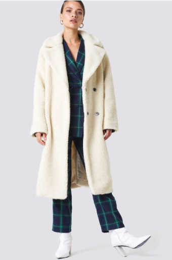 https://www.na-kd.com/en/na-kd-trend/big-collar-teddy-coat-offwhite