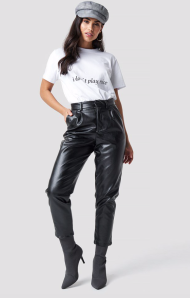 Na-kd atx Chloé B PU Leather Cropped pants black €39,17