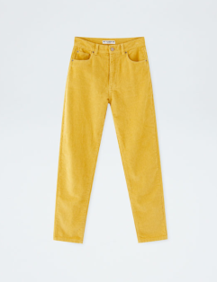 https://www.pullandbear.com/be/nl/mom-fit-corduroy-broek-in-uni-kleur-c0p500947459.html