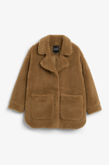 https://www.monki.com/en_eur/clothing/coats-and-jackets/product.oversized-faux-shearling-coat-khaki-brown.0629367006.html